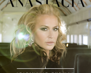 Anastacia-Staring-at-the-Sun