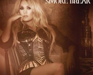 Carrie-Underwood-Smoke-Break