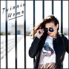 Twinnie_Home