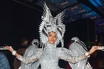 Confusion ensued when Steve Harvey announced Miss Philippines as the winner of the National Costume award and interviewed Miss Malaysia instead.