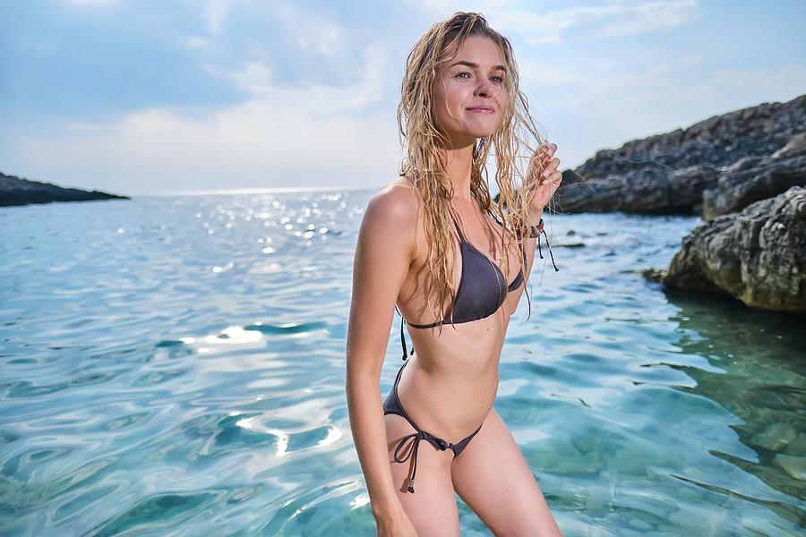 Reasons to Wear a Minimal Bikini To The Pool Or Beach